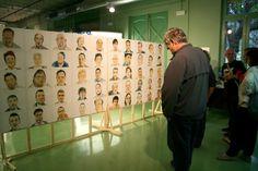 Retrats de 100 persones que viuen i/o treballen a la Barceloneta. Projecte de Carolina Anton. Exposició a la Fàbrica del sol, al 2012