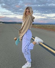 Adrette Outfits, Skater Girl Outfits, Neue Outfits, Lazy Outfits, Teen Fashion Outfits, Teenager Outfits, Retro Outfits, Trendy Outfits, Summer Outfits
