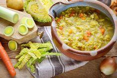 Odżywcza zupa z kapusty włoskiej i pora: dietetyczny i pyszny kapuśniak ze słodkiej kapusty - Beszamel.se.pl Curry, Ethnic Recipes, Food, Curries, Essen, Meals, Yemek, Eten