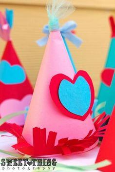 DIY circus party hats #diy #partyhats