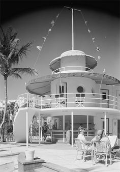 Miami Beach streamline moderne