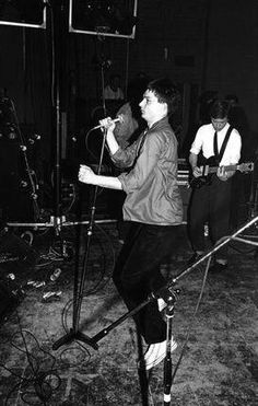 Joy Division Pics on stage Joy Division, Natalie Curtis, Ian Curtis, Kathleen Hanna, School Of Rock, Evan Peters, Music Photo, Jim Morrison, Post Punk