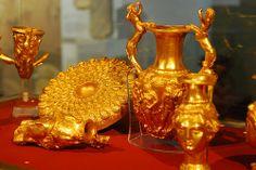The Panagyurishte Treasure - Bulgarian Thracian Gold  4th century BC  #panagyurishte #thracian #treasure #gold #bulgarian