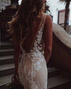 Such a gorgeous look by Captured by Wedding Day Wedding Planner Your Big Day Weddings Wedding Dresses Wedding bells Wedding Goals, Wedding Day, Boho Wedding, Wedding Decor, Wedding Stuff, Wedding Rings, Vestidos Vintage, Yes To The Dress, Wedding Wishes