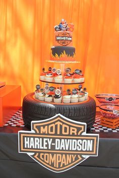 54 Ideas motorcycle party ideas harley davidson dads for 2020 Motorcycle Birthday Parties, Biker Birthday, Motorcycle Party, 60th Birthday Party, Birthday Ideas, Birthday Decorations, Harley Davidson Party Theme, Harley Davidson Cake, Harley Davidson Birthday