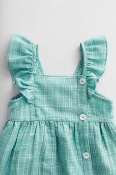 Kids Frocks Design, Baby Frocks Designs, Baby Girl Dress Patterns, Little Girl Dresses, Kids Blouse Designs, Sewing Kids Clothes, Frocks For Girls, Toddler Dress, Clothing Patterns