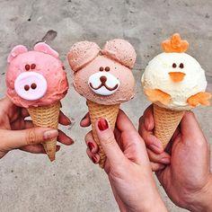 #Meanwhile in Santa Ana California ice creams were smiling. | : @taramilktea | #icecream #pig #bear #chicken #santaana #california #usa