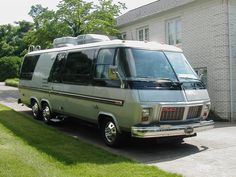 gmc motor homes powered caddy 425 fwd tranny sat
