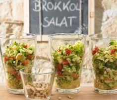 Rezept Brokkolisalat mit Pinienkernen von Thermomix Rezeptentwicklung - Rezept der Kategorie Vorspeisen/Salate