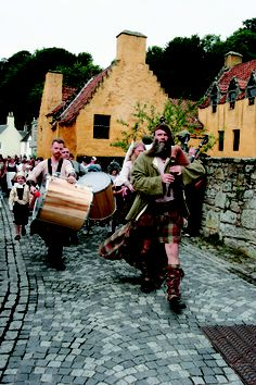 (Info for Fife) Culross march | Doesn't this look like a jolly good time?