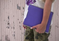 DIY Chain Trimmed iPad Sleeve--I have some hot pink cowhide that's screaming out to me right now...