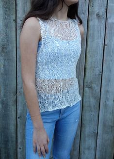 A stunning knitting pattern available in sizes XS - XXL. The top is knitted using 8mm needles. Total yardage used is between 220 and 350 yds meaning there is plenty in the box to make the largest size available.   Pattern is a paid pattern from Camexia Designs which can be found on Etsy. Click the picture to be taken through to purchase Hand Knitting, Knitting Patterns, Needle Felting Kits, Summer Sweaters, Lang Yarns, Dk Weight Yarn, Summer Tank Tops, Red Heart Yarn, Yarn Brands