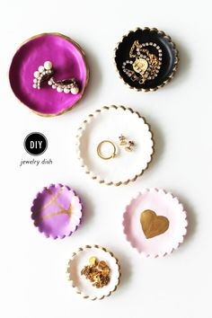 #gifts, #diy, #accessory-storage, #plates, #tray, #crafting, #jewelry-display, #gold-leaf  Photography: Hello Natural - hellonatural.co/  Read More: http://www.stylemepretty.com/living/2014/11/28/diy-jewelry-dish-perfect-for-holiday-gifting/