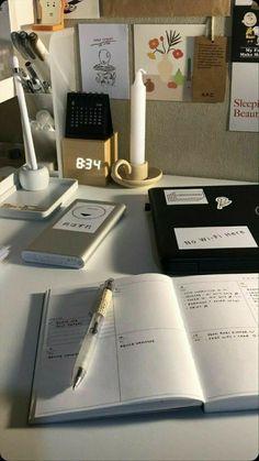 Study Room Decor, Study Organization, School Study Tips, Study Space, Study Desk, Study Hard, School Notes, Study Notes, Student Life