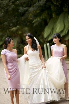 Our stunning bride Vaishali chose the Erina Dress in Lilac for her bridesmaids. The girls looked so beautiful in this one shoulder style. #realrunway #whiterunway #realwedding #cocktaildress
