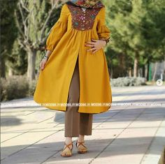 Frock Fashion, Abaya Fashion, Muslim Fashion, Fashion Dresses, Pakistani Fashion Casual, Iranian Women Fashion, Pakistani Dress Design, Stylish Dresses For Girls, Unique Outfits