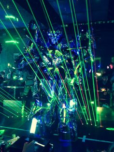 Robot restaurant! The humans are dead, I am a ROBOT
