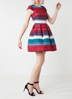 Op zoek naar Ted Baker Rozah A-lijn jurk met streepdessin ? Ma t/m za voor 22.00 uur besteld, morgen in huis door PostNL.Gratis retourneren.