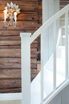 pictures tips cottage mountain entrance technology latest House in the woods: Timber wall ins . Rustic Bedroom Design, Entry Stairs, Timber Walls, Light Colored Wood, Wood Home Decor, Inspiration Wall, Modern Kitchen Design, Cladding, Home Decor Accessories