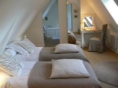 """I love the roof line, I bet sleeping in this room would feel more cozy than a big lofty ceiling. Perfect for our """"pink room"""" French Bed, Cosy Bedroom, Romantic Room, Attic Bedrooms, Attic Remodel, Studio Room, Attic Spaces, Bed And Breakfast, House Styles"""