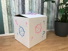#gender #reveal #doos #ballonnen Gender, Babyshower, Container, Canning, Shower Baby, Home Canning, Baby Shower, Baby Showers, Canisters