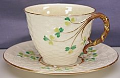 Belleek 2BM Tall Shamrock basket weave c