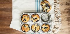 I Quit Sugar - Triple Coconut & Blueberry Muffins// replace rice malt with maple syrup Sugar Free Treats, Sugar Free Recipes, Sweet Recipes, Whole Food Recipes, Healthy Sweet Treats, Healthy Sweets, Healthy Baking, Healthy Muffins, Diabetic Sweets