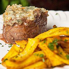 Filet recheado com gorgonzola e nozes