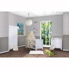 Babyzimmer 19tlg Bett, Kommode und Schrank alles zum top Preis
