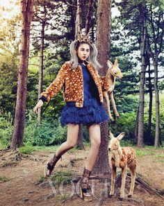 패션 원더랜드로 떠난 인조 모피 룩 14 :: VOGUE.com