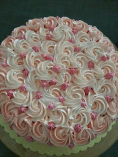 swirled cake icing - inspiration only Pretty Cakes, Cute Cakes, Beautiful Cakes, Yummy Cakes, Amazing Cakes, Cake Decorating Techniques, Cake Decorating Tips, Cookie Decorating, Cake Icing