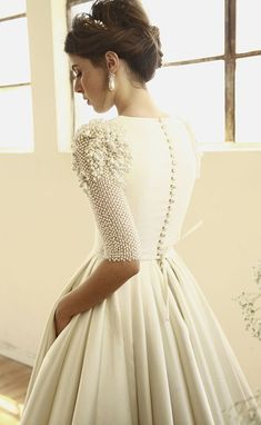 Looking for the perfect wedding dress? These are the most beautiful wedding dresses in history would look glamorous on all sorts of brides-to-be Beautiful Wedding Gowns, Modest Wedding Dresses, Perfect Wedding Dress, Designer Wedding Dresses, Bridal Dresses, Dresses Dresses, Dress Wedding, Wedding Blog, Wedding Bride