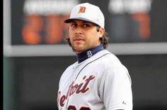 Matt Tuiasosopo new tigers player. Holy hot man!