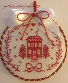 Cross Stitch House, Xmas Cross Stitch, Cross Stitch Embroidery, Cross Stitch Patterns, Christmas Cross, Winter Christmas, Christmas Ideas, Xmas Ornaments, Christmas Decorations