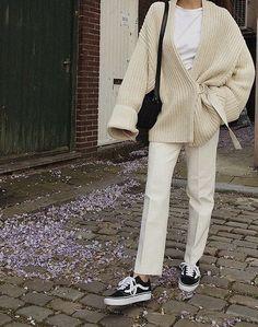 Cute oversized cream cardigan over all white., - Cute oversized cream cardigan over all white., Source by - Mode Outfits, Winter Outfits, Fashion Outfits, Tomboy Fashion, Fashion Tips, Fashion Beauty, Swag Fashion, Abaya Fashion, Muslim Fashion