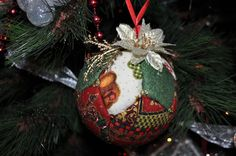 quilted ornament / quilted ball/ no sew Christmas ball / Bola de patchwork sin aguja