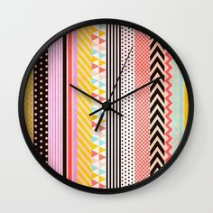 Washi Tape Wall Clock by Louise Machado. I saw some cheap clocks from Kmart the other idea - might give this ago. Maybe with pastels and foil washi tapes? Washi Tape Wall, Washi Tape Cards, Masking Tape, Duct Tape, Washi Tapes, Tape Art, Manualidades Washi Tape, Tape Crafts, Diy Crafts