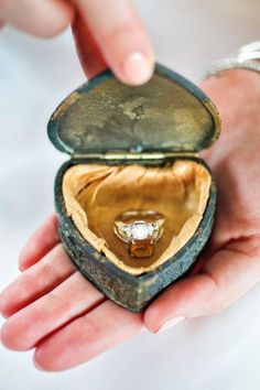 Use vintage box from engagement ring for photos? & Vintage 1930s Book Ring Box Floral Wedding Engagement 1940s ... Aboutintivar.Com