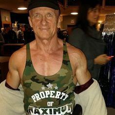 Check out this gent rocking his new @maximumnutritioncentres Stringer tank. We hope we can look like this guy when we get older. #bodybuilding #bodybuilder #fitness #muscle #fitnessgear #london