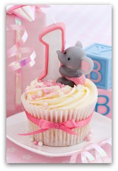 Little Girl Birthday Party Themes | If your little one is a girl, lets take the fantasy to new levels with ...