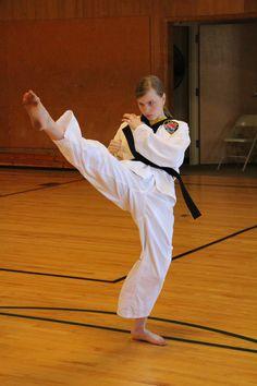 High Frontkick Female Martial Artists, Martial Arts Women, Mixed Martial Arts, Taekwondo Girl, Jane Watson, Action Poses, Aikido, Judo, Jiu Jitsu