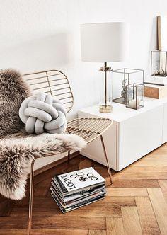Goldene Akzente! Der Sessel Chloé Ist Das Perfekt It Piece Für Dein Zuhause.