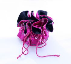 Wag Doll: Silk Jewellery Pouch Tutorial (store your bling in...