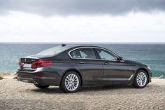 Szárnyalnak az 5-ös BMW eladásai, és több elektromos és hibrid BMW kelt el, mint Tesla