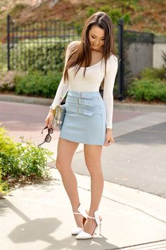 Jessica Ricks in white with 3-belted skirt light blue and white sandals for Hapa Time.