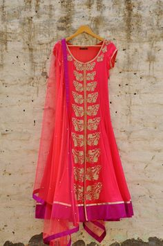 Nice Indian Dresses, Indian Outfits, Indian Clothes, Indian Bridal Wear, Indian Wear, Arabian Nights Costume, Printed Gowns, Lehenga Choli, Sarees