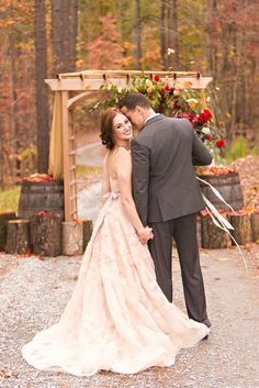 Bride in @watterswtoo Edlin gown. Fall Styled Shoot and Workshop - Virginia Wedding Photographer_0007