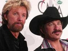 Brooks & Dunn – Neon Moon country music videos and lyrics. Country Music Videos, Country Music Stars, Country Music Singers, Country Songs, Country Jam, I Love Music, Good Music, Music Lyrics, Music Songs
