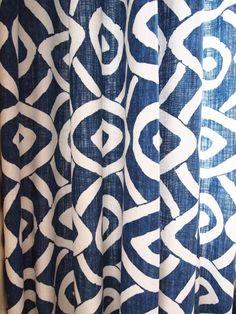Gardinstoff og tapet - Riis Interiør Curtain Fabric, Curtains, Designers Guild, Home Collections, Mood, Shower, Prints, Blue, Home Decor