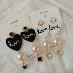 If you own precious fashion jewelry such as diamond earrings, pendants, diamond rings, or other great precious jewelry items, you can keep these products for a life time if you look after them. Kpop Earrings, Beaded Earrings, Diamond Earrings, Diamond Stud, Kawaii Jewelry, Cute Jewelry, Gold Jewelry, Antique Jewellery Designs, Antique Jewelry